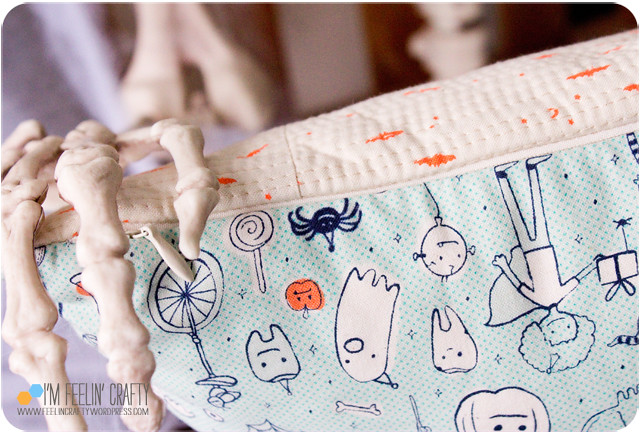 HalloweenPillow-Zipper-ImFeelinCrafty