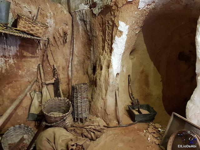 Descubre las Cuevas de los Cien Pilares en Arnedo (11)
