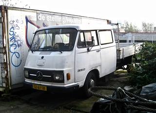 12-61-TB MERCEDES-BENZ L306D Crew-Cab Pick-up 1977