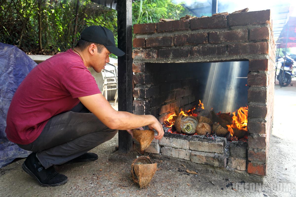 Coconut Husk BBQ