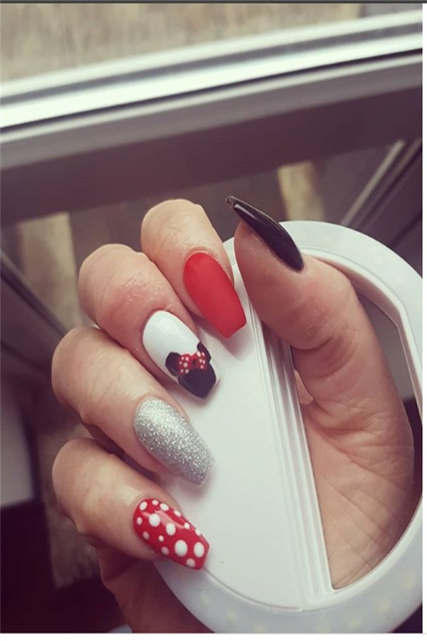30+ Gorgeous Disney Nails to Spice Up Your Fashion #disney_nails #nail_art_designs #nail_ideas #manicure