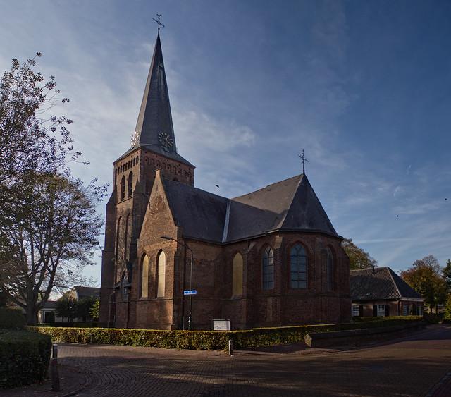 Helvoirt - Hervormde kerk, Canon EOS 600D, Canon EF-S 18-55mm f/3.5-5.6 IS II
