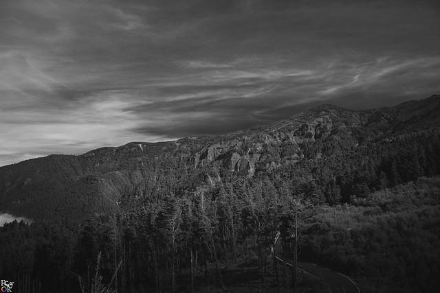 B/W mountains