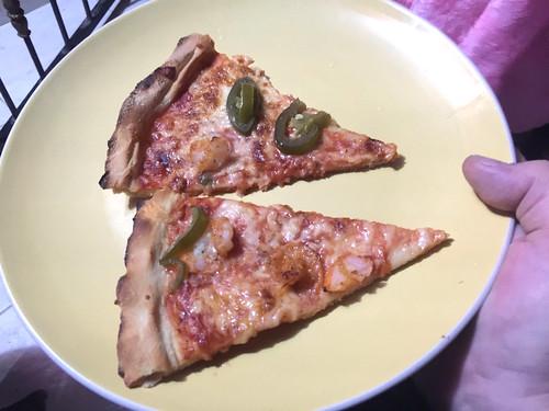 Pizza mit Krabben & Jalapenos / Pizza with crabs & jalapenos
