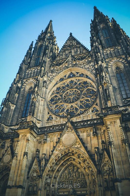 · Fachada de la Catedral de San Vito · Castillo de Praga ·