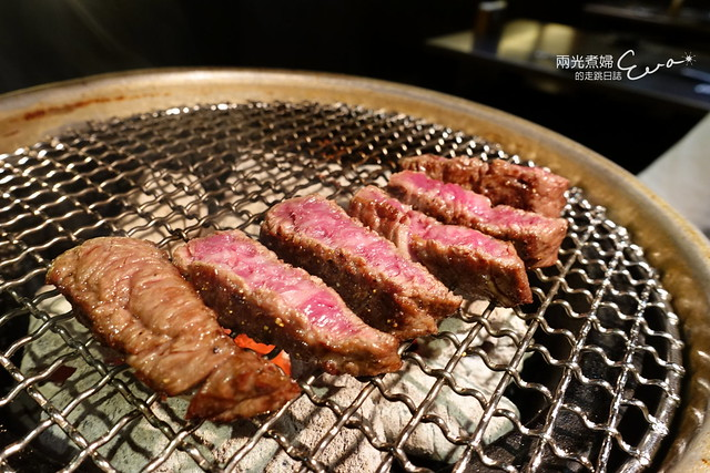 Moe燃炭火燒肉二號店~主打澳洲黑毛和牛,亦有日本和牛可選(仁愛圓環/忠孝復興站)