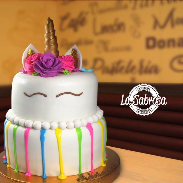 Cake by Reposteria La Sabrosa