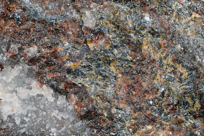 フェリゴーセ閃石 / Ferri-ghoseite