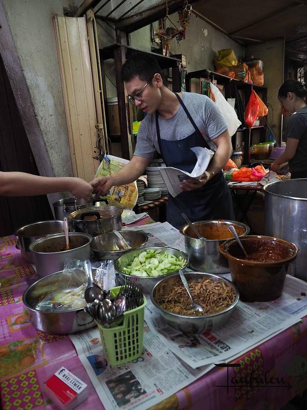 Taste Legendary Nasi Lemak Chow Kit Pasar (6)