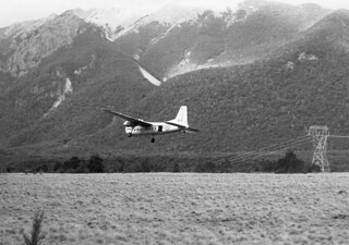 1958 NZ5910 supply dropping at Dip Flat, 90 km west of Blenheim