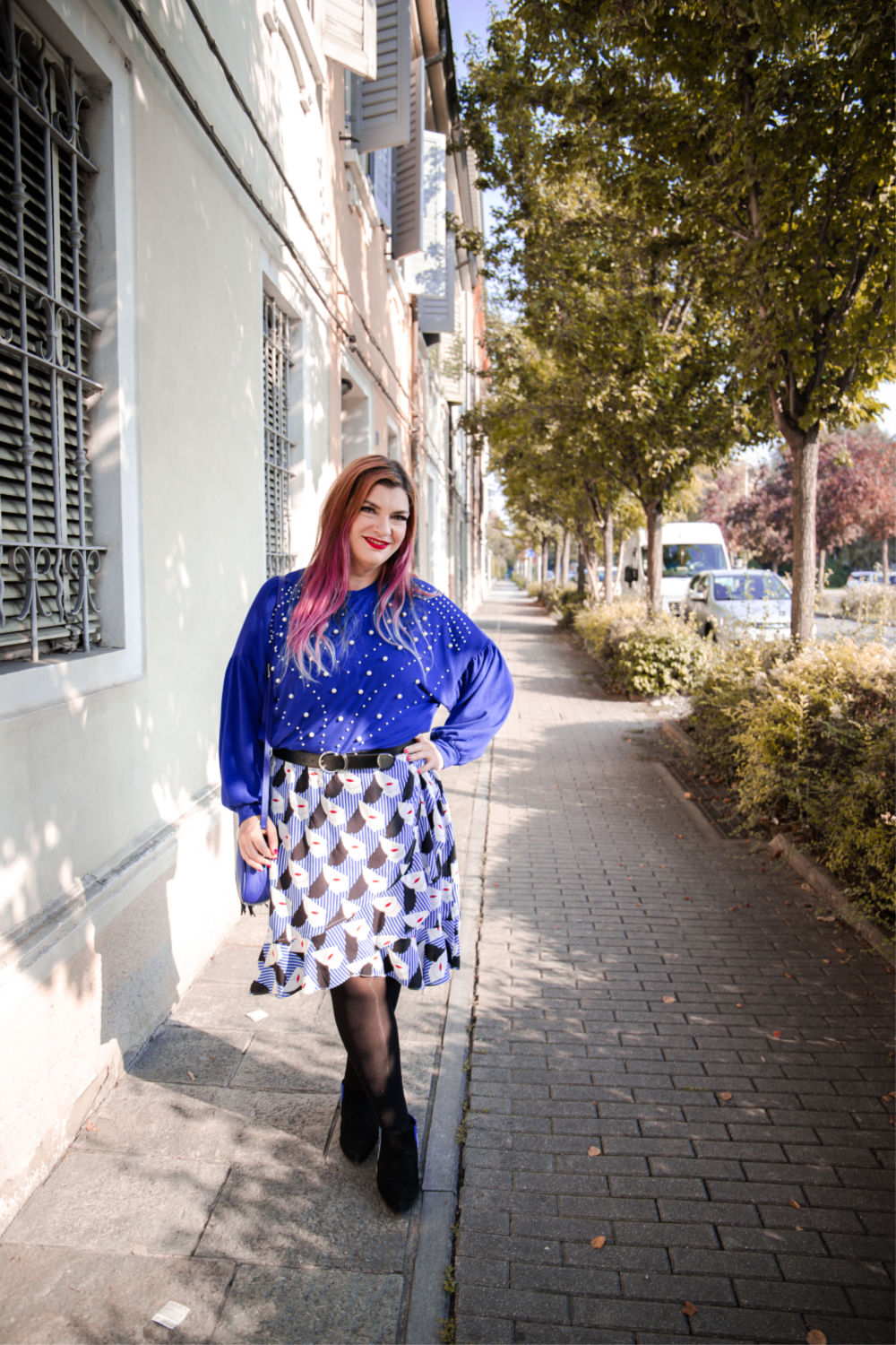 Outfit plus size curvy come indossare un capo estivo in autunno (5)