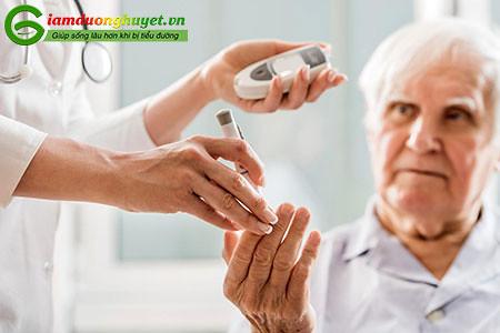Người bệnh tiểu đường nên kiểm tra đường huyết thường xuyên