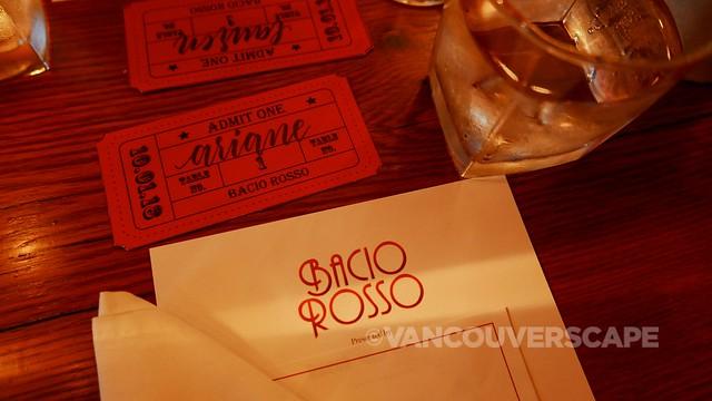 Bacio Rosso place setting