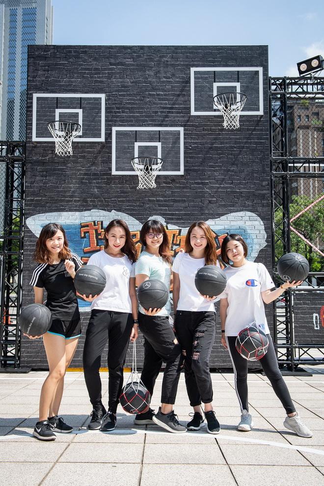 「She's Mercedes 混合肌力派對」也將於10月份在高雄與台北舉行,每場限定40位女性參加