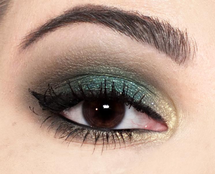 huda beauty emerald obsessions eye look