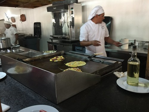 Be Live Marien Puerto Plata - Making omelettes