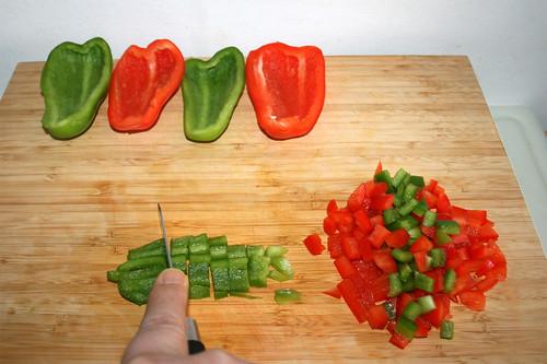 16 - Paprika in Würfel schneiden / Dice bell pepper