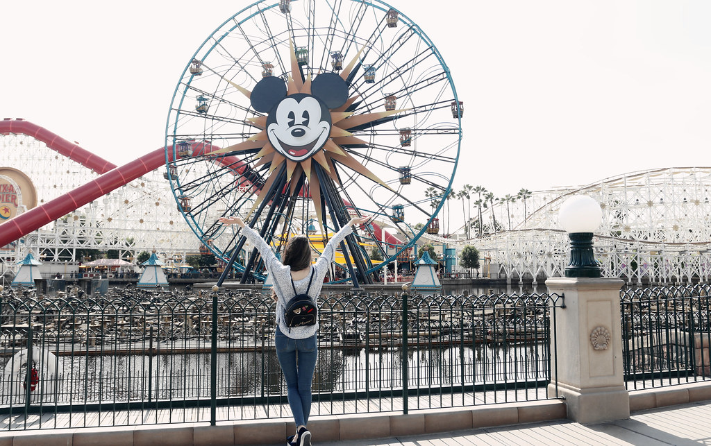 6527-ootd-fashion-style-outfitoftheday-wiwt-streetstyle-hollister-f21xme-asianfashion-forever21-disneyland-disneycaadventure-koreanfashion-lookbook-itselizabethtran