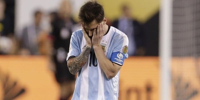 Maradona Anggap Messi Tidak Pantas Jadi Kapten Timnas Argentina