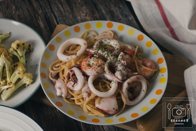 料理食譜,清炒海鮮義大利麵,白醬野菇通心粉 @陳小可的吃喝玩樂
