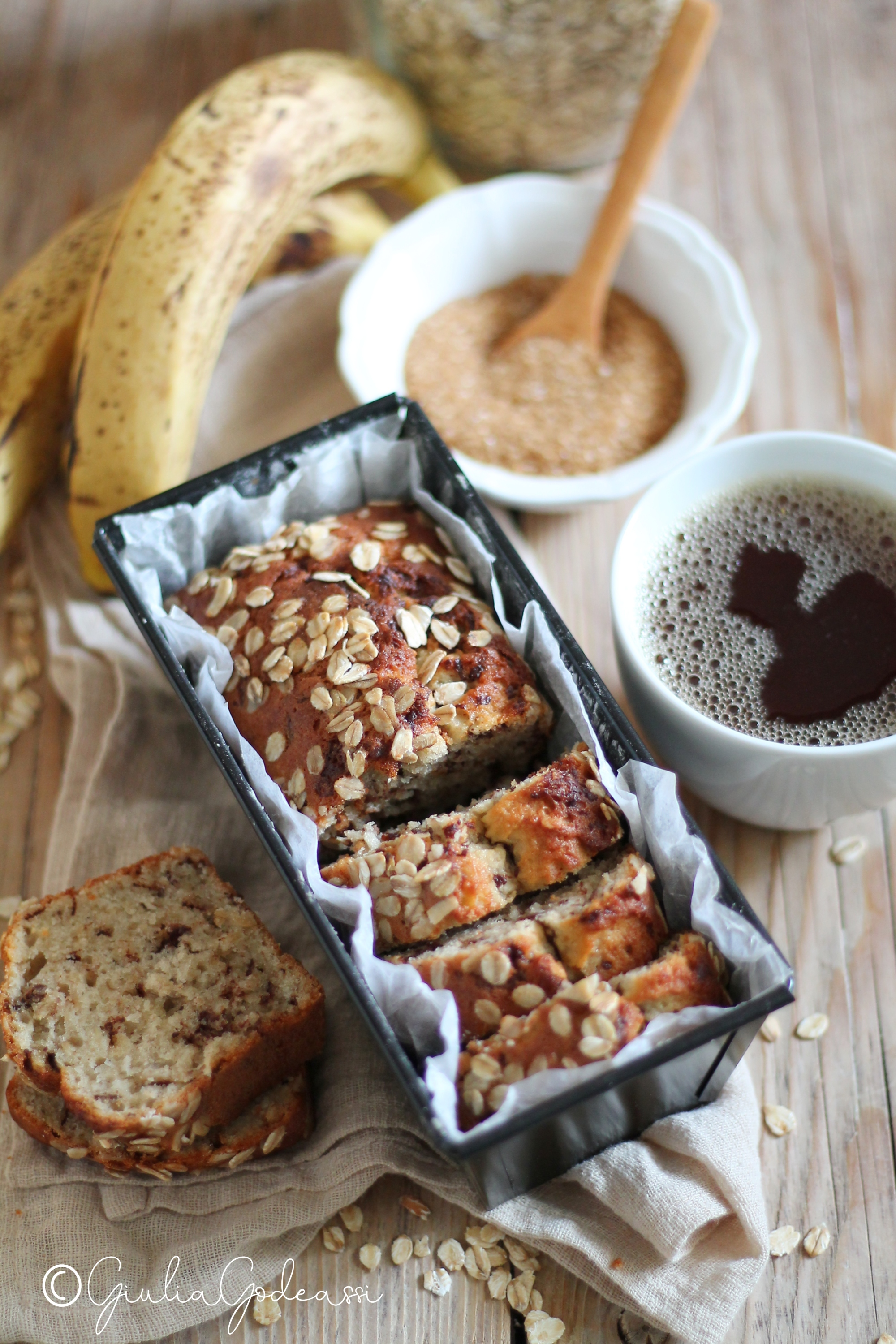 BANANA BREAD ALL'AVENA E CIOCCOLATO