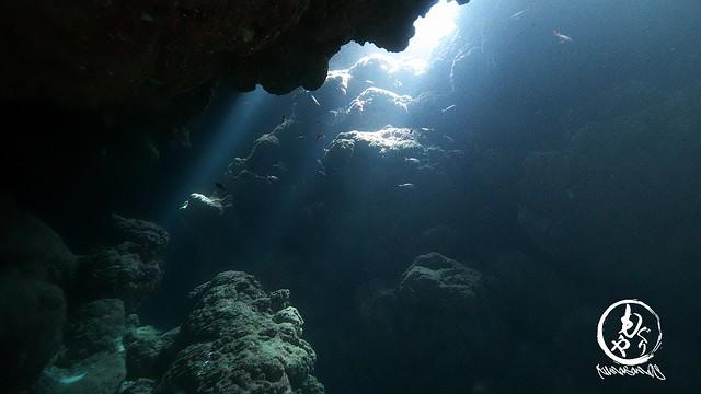 タイミング良く、洞窟の光がキレイでした♪