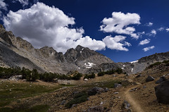 Approaching the final switchbacks on Bishop Pass