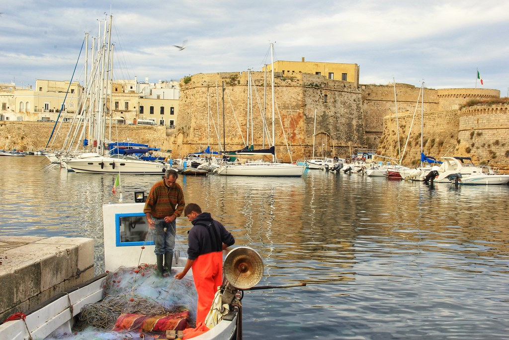 Fishermen repairing their nets, Gallipoli harbour