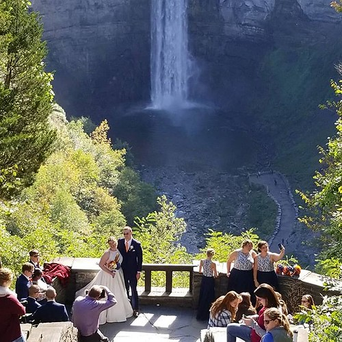 Lucky couple! #taughannockfalls #waterfall #wedding #ithaca