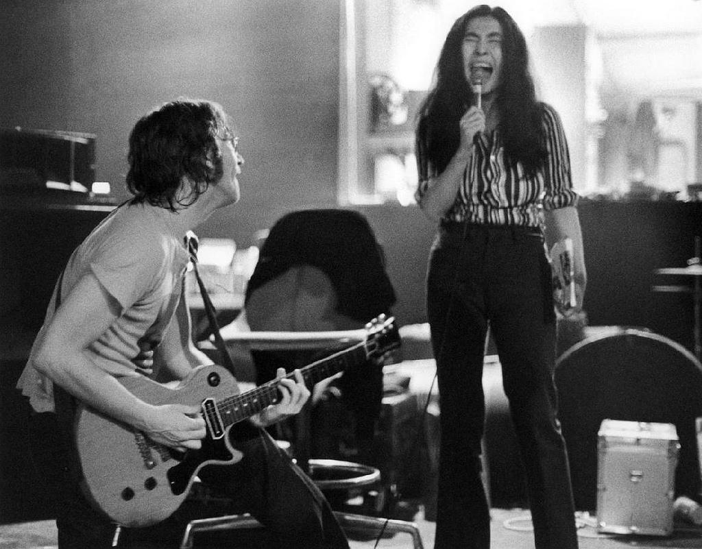 John Lennon and Yoko Ono in New York City. Photo taken by Bob Gruen, circa 1972.