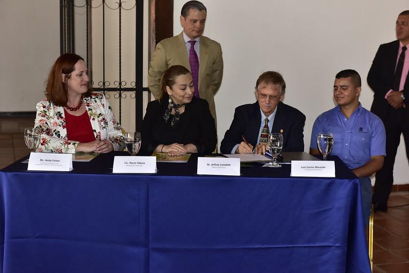 Convenio Zamorano, USAID y Gobierno de Honduras