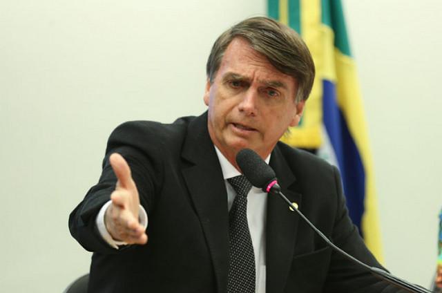 ARTÍCULO | Cómo el discurso inconexo de Bolsonaro crea unidad contra un enemigo común