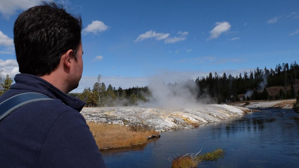 Alex intentando precedir la próxima erupción