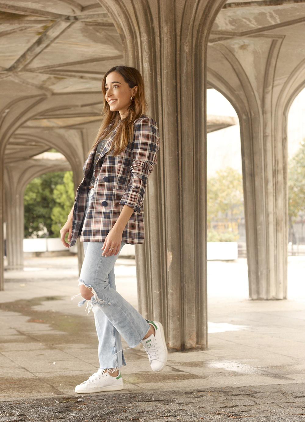Plaid Blazer ripped jeans adidas stan smith street style outfit 201804