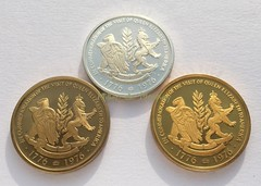 queen-elizabeth-ii-1976-bicentennial_medals-reverse