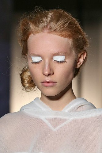 Idée Maquillage 2018 / 2019 : Love this look from Maison Martin Margiela Mercedes-Benz Fashion Week Spring 201...