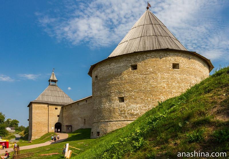 Крепость Старая Ладога. Климентовская и Воротная башни