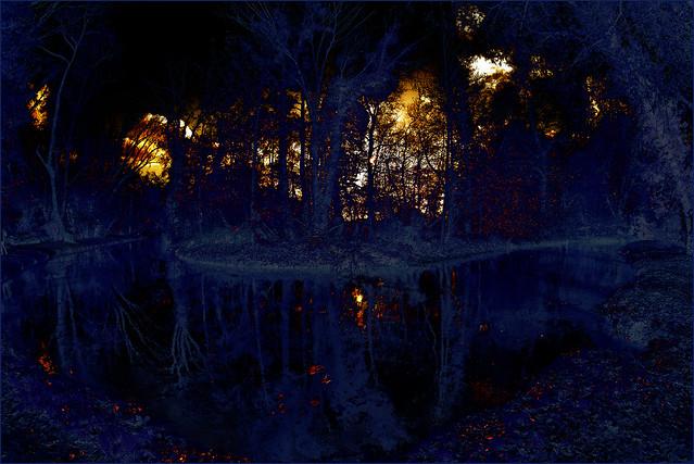 Reflet d'un Enfer - Etude en bleu
