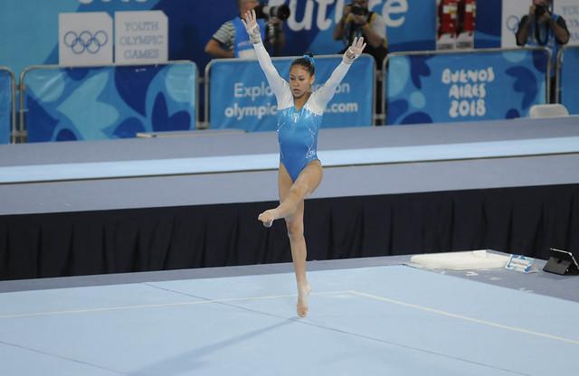 Debut de la gimnasta Karla Pérez en Buenos Aires 2018