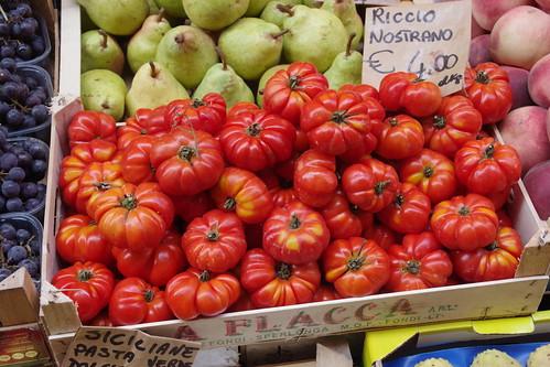 Bologna food, wine and shops