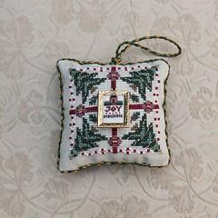 Just Nan 2002 Christmas ornament