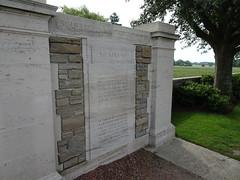 Esquelbecq le cimetière militaire (1)