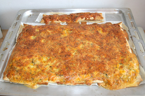05 - Swedish salmon cake (Swedish pizza) - Finished baking / Schwedischer Lachskuchen (Schwedenpizza) - Fertig-gebacken