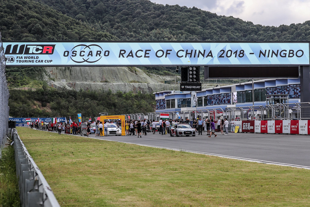 Pré grille race 1,  during the 2018 FIA WTCR World Touring Car cup of China, at Ningbo  from September 28 to 30 - Photo Marc de Mattia / DPPI