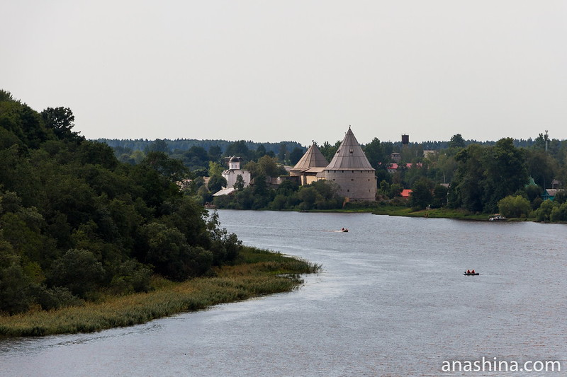 Панорама Ладожской крепости с кургана Вещего Олега