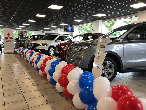 Ballonslinger Mitsubishi Nissan en Suzuki Dealer Norbert Driessen Utrecht