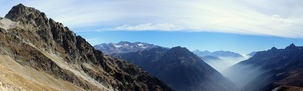 Panoramique à la descente versant sud