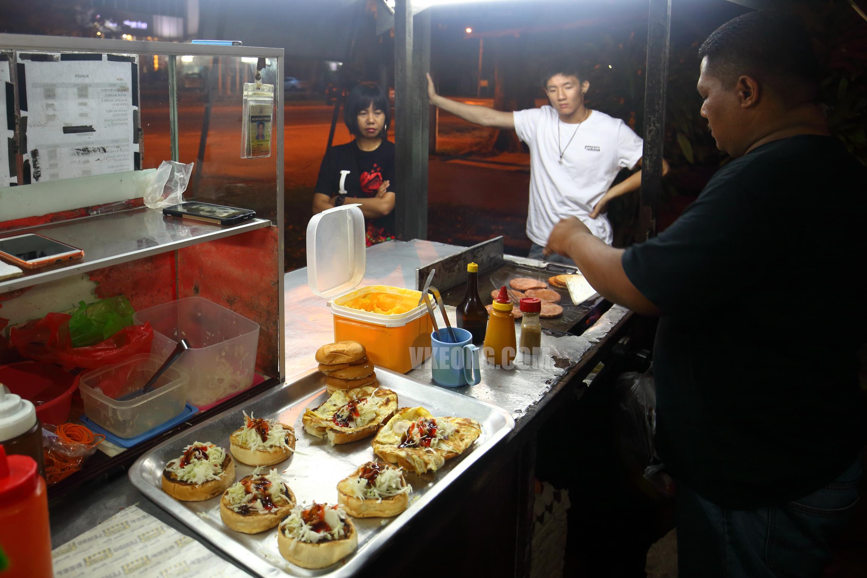 Melaka Burger Maut Stall