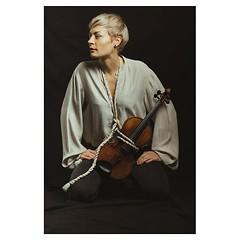 Verena and Jean . #xt3 #fujixt3 #fujifeed #fujifilm #fujilove #fujifilmfrance #myfujilove #fujifilm_xseries #fujifilmnordic #fujifilmme #fujifilm_uk #fujixfam #twitter #geoffroyschied #35mmofmusic @verenamariafitz #munich #portrait #musician #violinist #f
