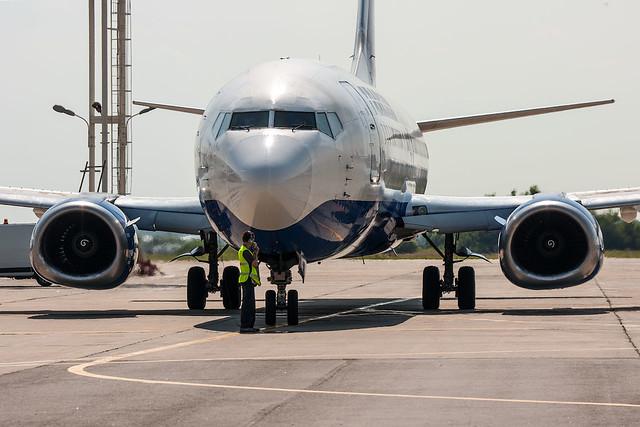 Boeing-737, Sony DSLR-A700, Sony 70-300mm F4.5-5.6 G SSM (SAL70300G)